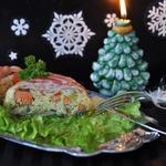 Рис с лососем, запеченные в беконе