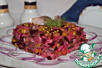 Рецепт: Винегрет с сельдью и маринованным луком