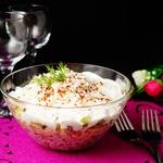 Салат с рисом, киноа и печенью трески