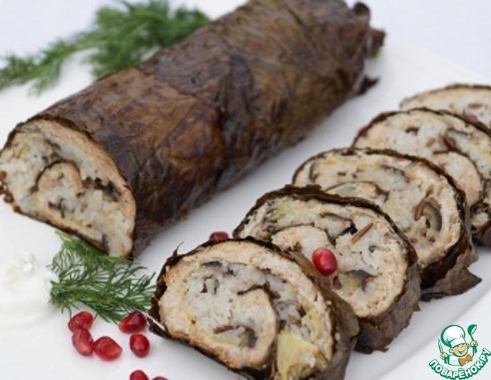 Рецепт: Мясной рулет с рисом и виноградными листьями