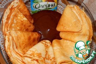 Рецепт: Кефирные блины с шоколадным соусом