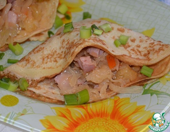 Рецепт: Блинчики с квашеной капустой и грудинкой