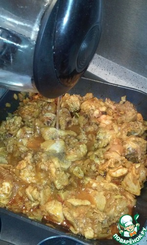 Pour water, add salt, cover with a lid and cook on slow or medium heat for another 20-25 minutes. Stirring occasionally.