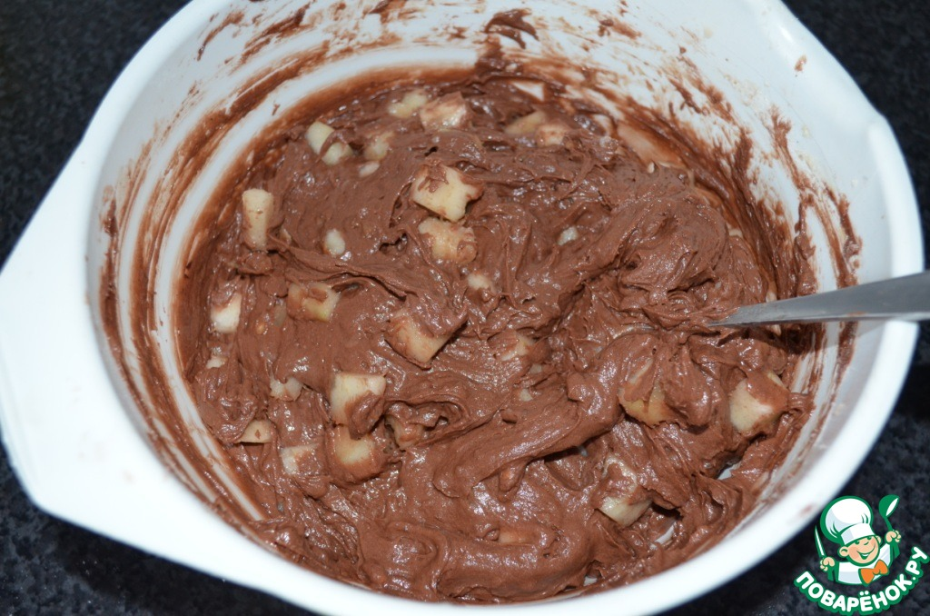 Шоколадный пирог с грушами и амаретто