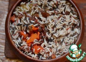 К тыкве и сухофруктам добавить подготовленный рис.