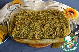 8.Залить блинчики соусом и посыпать смесью сыра и крошек. Поставить в духовку на 250С и запекать 7-10 минут, чтобы сыр расплавился и пузырился.