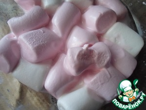 Put marshmallows in a minute in the microwave, maybe a little more or less time to spend on it to increased swelling