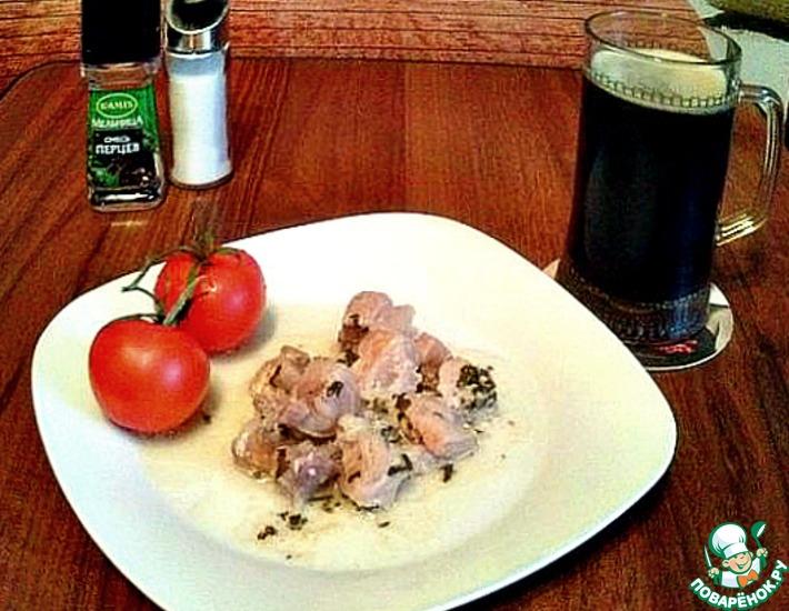 Рецепт: Свинина в горшочке в кефирно-чесночном соусе