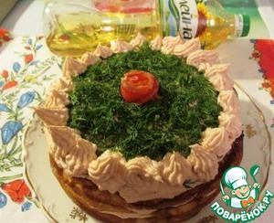 "Top too damn fish grease cream, sprinkle your favorite herbs and decorate with ""roses"" cream ""flower"" from the salty salmon.  Ready! Before filing stored the cake in the refrigerator."
