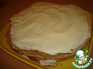 "The next 4 just Korzh coat with cream and chocolate do not add. Making the cakes. Then the next 4 Korzh coat with cream and sprinkle with chocolate making.  The remaining 4 Korzh coat with cream without the chocolate-making... and our ""Napoleon in shock"" is ready."
