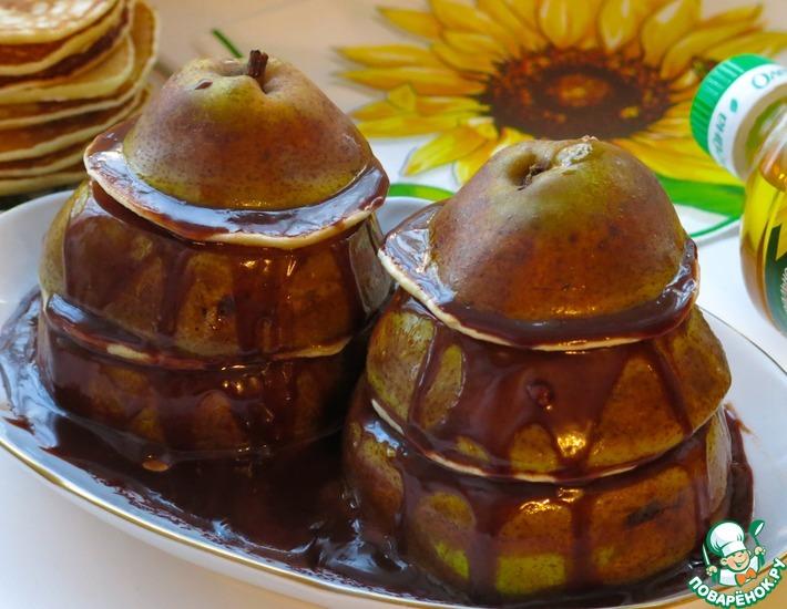 Рецепт: Башенки из груш и оладий с шоколадом