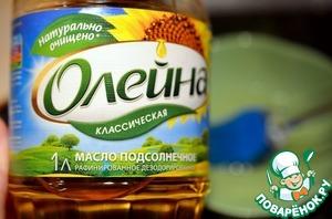 . Добавить гашеную соду и подсолнечное масло Олейна, если тесто густоватое – добавить немного кипятка. Выпекать блины обычным способом: смазать сковороду маслом Олейна,