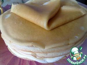 """Приготовьте тесто для креспелле (блинчиков). Влейте в тесто подсолнечное масло ТМ """"Олейна"""". Из теста испеките блинчики по любому рецепту."""