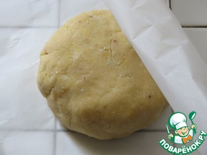 Sift the flour with the baking powder. add butter, sugar, zest, vanilla,1 egg and yolk, salt. quickly knead the dough. wrap in parchment and put in refrigerator for 1 hour.