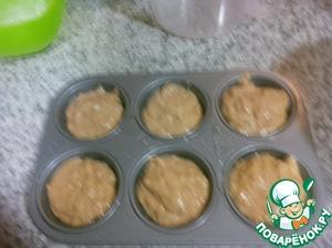 Ставим наши кексы в разогретую до 180С духовку. Выпекаем 15-20 минут. Смотрите по своей духовке и проверяйте деревянной палочкой.