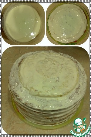 Приготовим крем. Сметану, сахар и ванилин соединить и взбить миксером минуток 5. Теперь складываем тортик. Каждый вариант сложенных коржиков складываем друг на друга так, чтобы с боку коричневый и белый чередовались. Соответственно каждый корж промазываем кремом, не жалея его, чтоб торт лучше пропитался (ведь для этого столько сметаны и нужно). Верх тортика и бока тоже обмазываем кремом и ставим в холод на пару часиков (ну или пока крем не застынет).