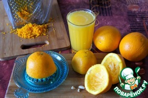 To make a cake we need 5 oranges, medium size, 3 for the dough and 2 for impregnation.  From one of orange peel to erase. Of three oranges juiced, all we need is 250 ml.