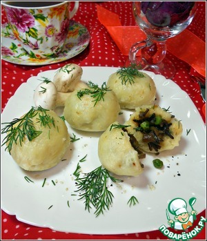 Potato balls sprinkled with dill and olive oil to water. All a pleasant appetite!