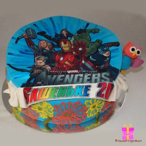 In this cake I wanted to combine the lovely sovushek, the flowers and the Avengers.
