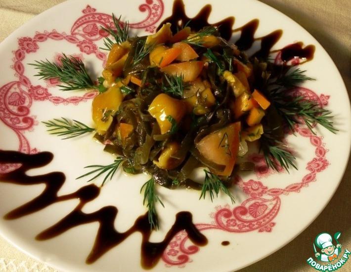 Рецепт: Салат с морской капустой и грибами