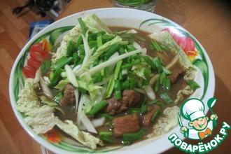 Рецепт: Китайский суп с мясом и рисовой лапшой