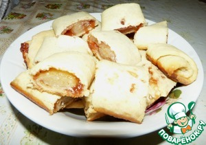 After cooking time, remove rolls from oven and cut each 6-10 cookies. Bon appetit!