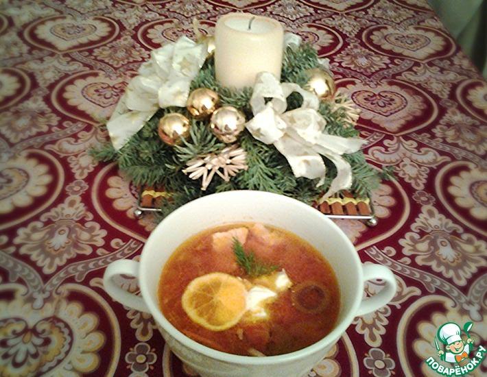 Рецепт: Рыбная солянка с корнишонами