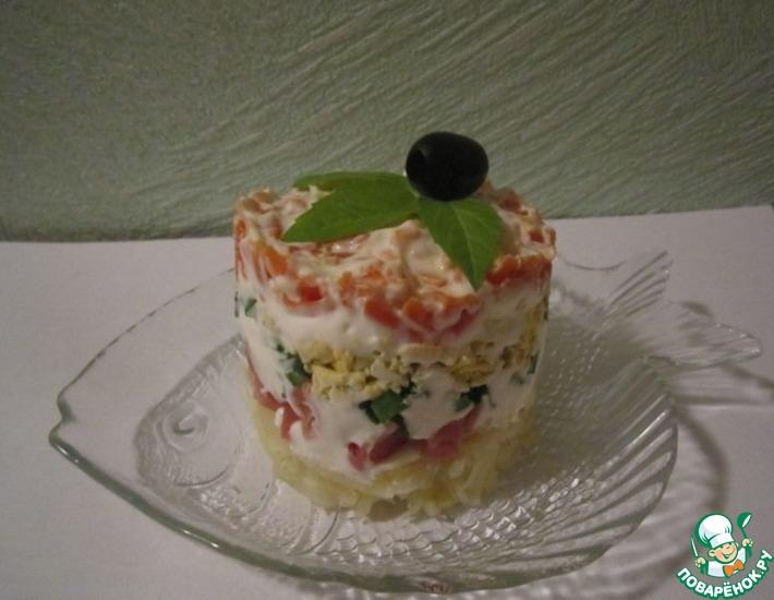 Рецепт: Слоёный салат с копченой горбушей