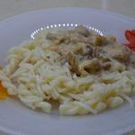 Макароны с сырно-грибным соусом