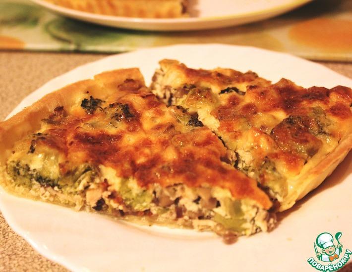 Рецепт: Лоранский пирог с курицей, грибами и брокколи