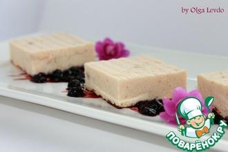 Рецепт: Рисово-лососевый террин с черничным соусом