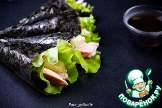 Рецепт: Темаки-суши с курицей и ананасом