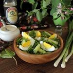 Огуречный салат со щавелем