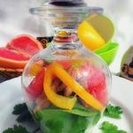 Грейпфрутовый салат с курицей и мангольдом