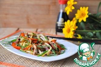Рецепт: Горячий китайский салат из картофеля и свинины