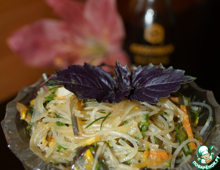 Рецепт: Фунчоза с овощами и шиитаке