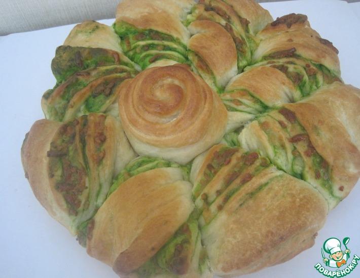 Рецепт: Пирог с сыром и зеленым соком