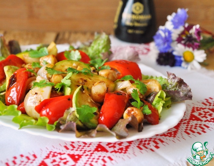 Рецепт: Салат-гриль с гребешком и овощами