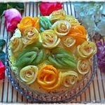 Торт Именинный с фруктовыми розами