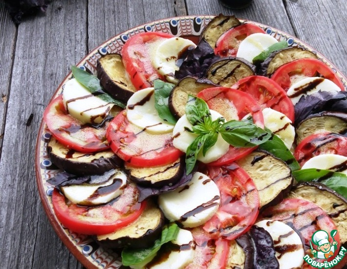 Рецепт: Салат Капрезе с баклажанами
