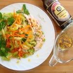 Салат с курицей и листовым салатом