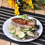 Салат с лососем-гриль под тайским маринадом
