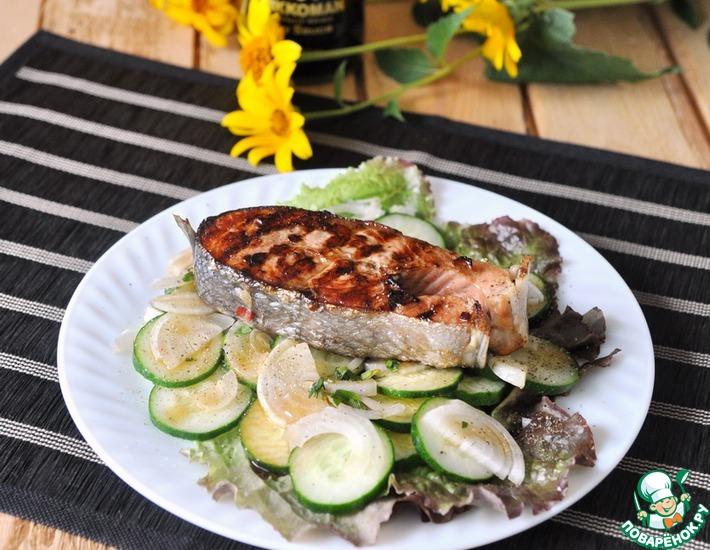 Рецепт: Салат с лососем-гриль под тайским маринадом