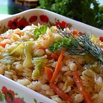 Теплый капустный салат с макаронами