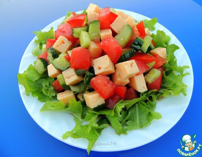 Рецепт: Овощной салат с сыром и соевым соусом