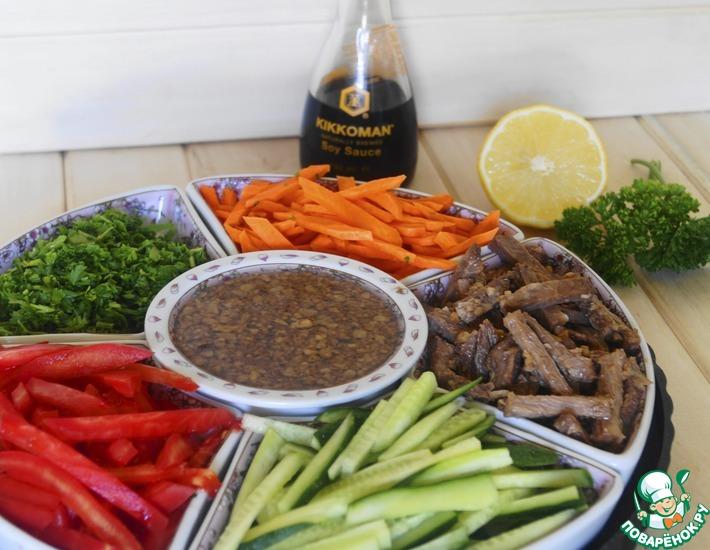 Рецепт: Салат-конструктор с маринованной говядиной