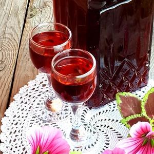 Фото: Настойка на вине