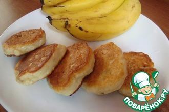 Рецепт: Пышные банановые сырники