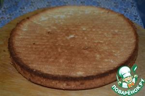 Бисквит выпекать в духовке при температуре 160 градусов. Готовый хорошо остудить.