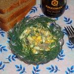 Салат с куриной печенью и яйцом